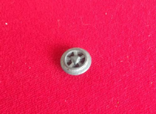 Dinky Toys 165 - Original - Ford Capri Hub without tyre